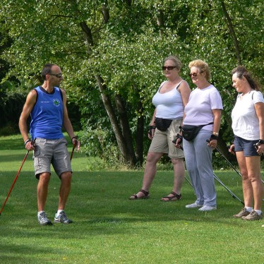 Image of a Nordic walking group course